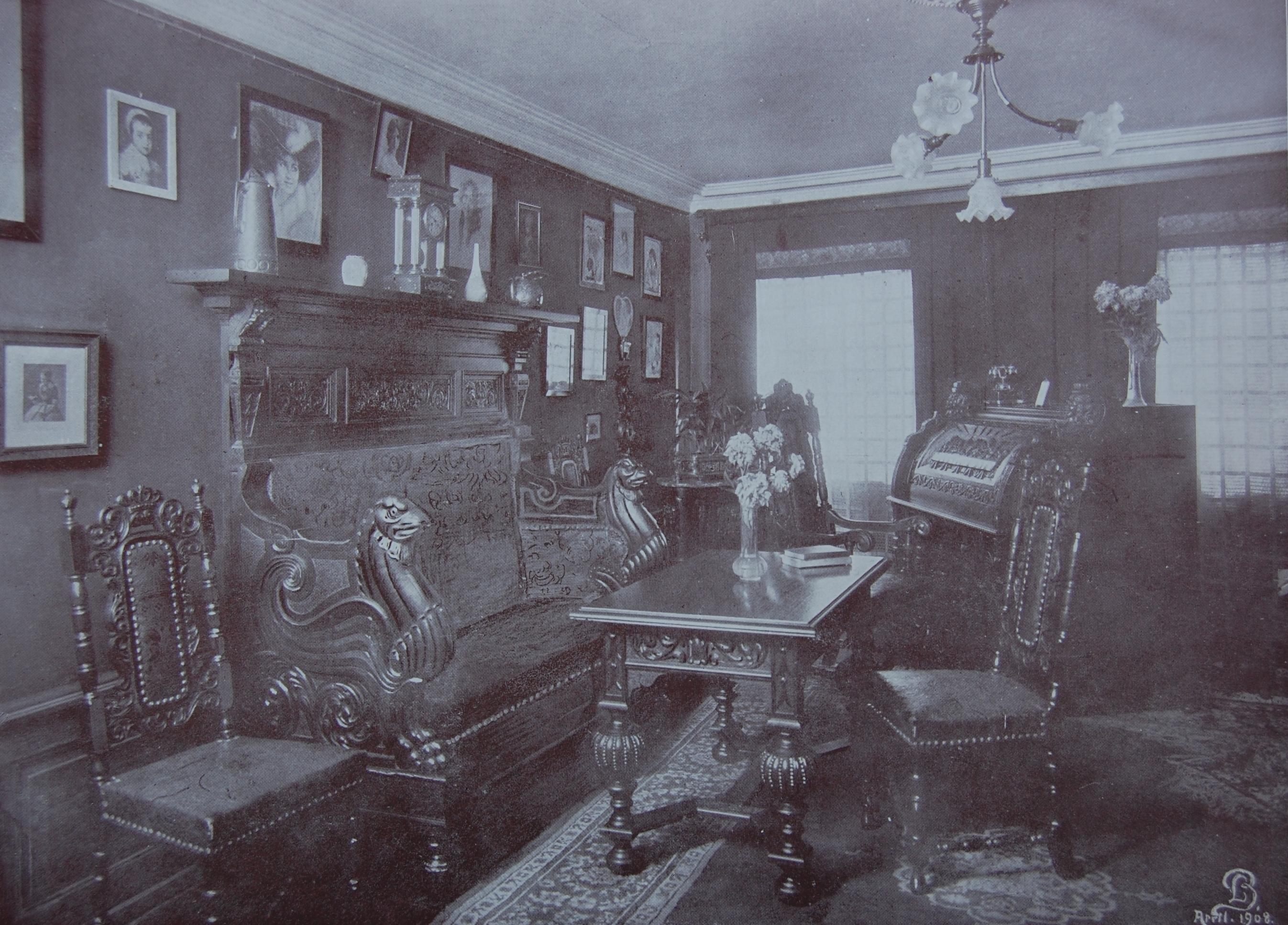 gamle hvide møbler